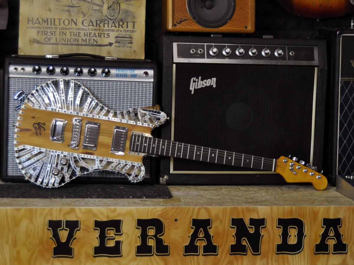 Metallbaukasten Gitarre