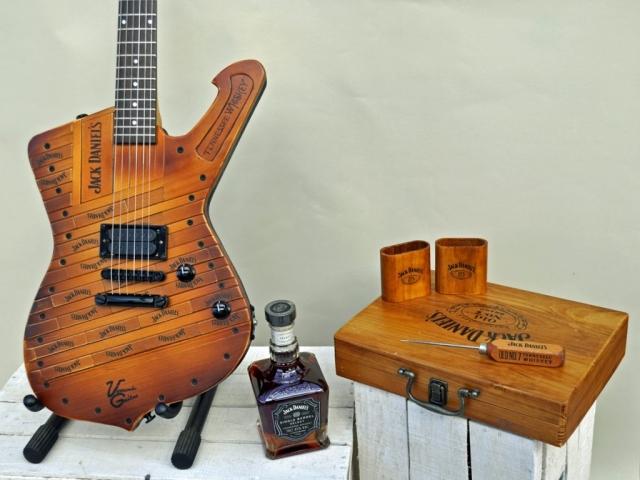 Jack Daniels whisky guitar