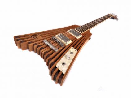 Veranda Flying V Lattenrost Gitarre