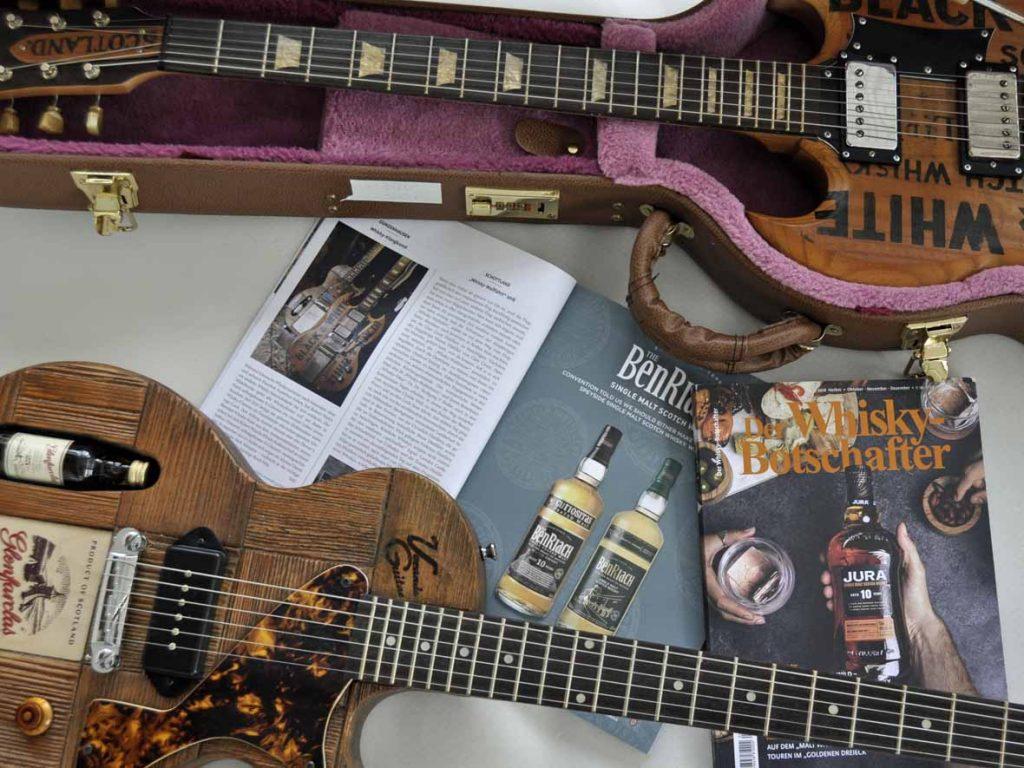 der Whisky-Botschafter mit Whisky-Gitarren