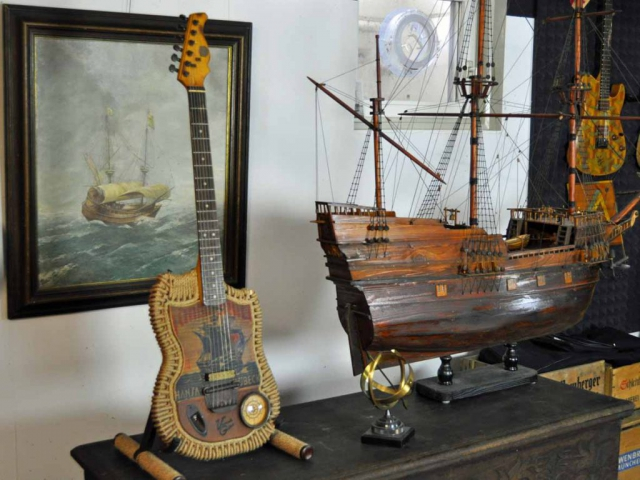Veranda Sailing Ship Guitar Hansa Lubeck
