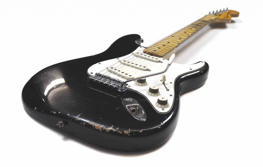 # 059 Fender Black Stratocaster