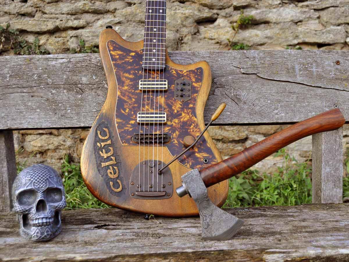 Offset Gitarre im Mittelalter-Look!
